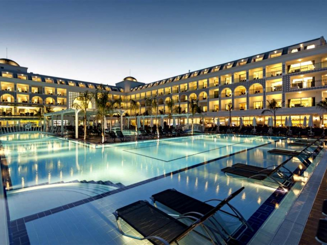 Hôtel Karmir Resort & Spa 5*