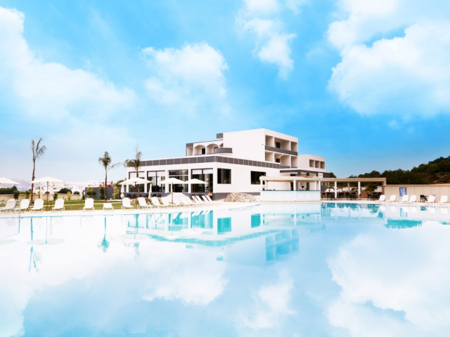 Hôtel evita resort 4*